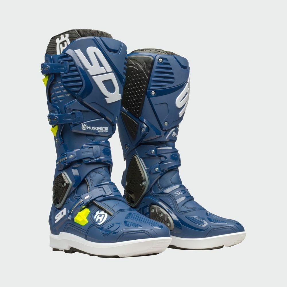 45433_3hs193010x_crossfire_3_srs_boots_front_45_grad