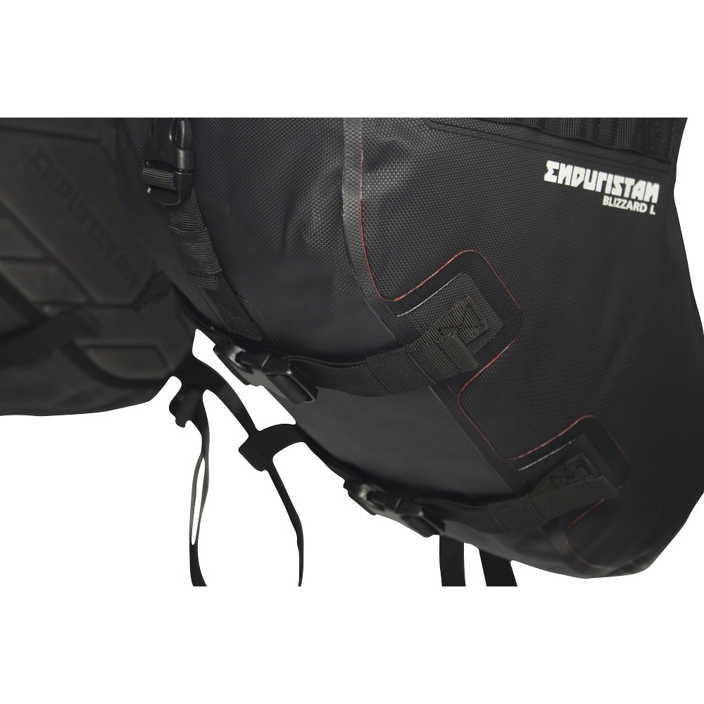 enduristan_lusa-007-l_blizzard_saddlebags_l_006_1496506262